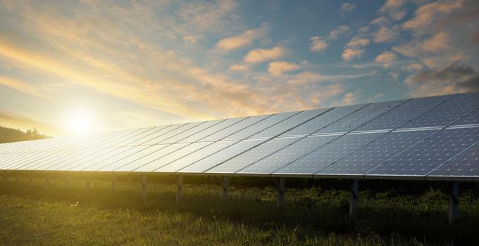 Financing-your-solar-farm---680x350