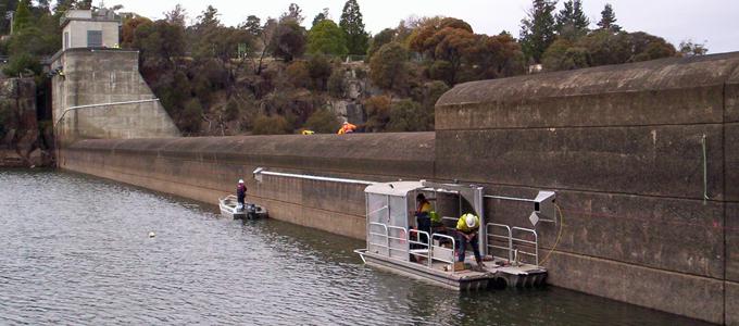 Dam-tiltmeter-installation-680x300